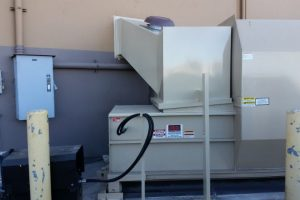 Dry waste compactor